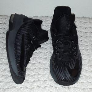 NIKE Boys Air Max Infuriate Basketball Shoes sz-7